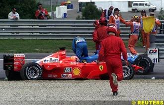 Schumacher and Fisichella retire at the first corner