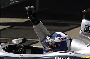David Coulthard punches the air in triumph after winning the 2001 Austrian GP