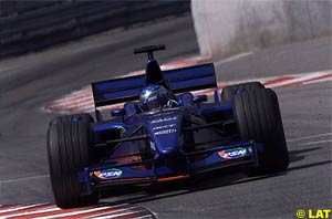 At Monaco, one of his favourites tracks, Alesi returned to the points after more than a year