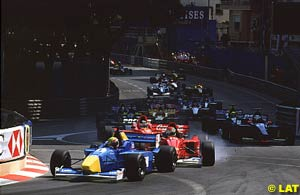 The start of the F3000 race at Monaco