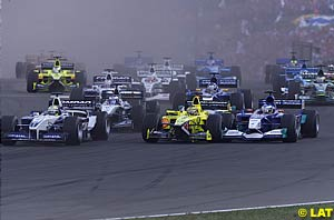 The start, into turn 1