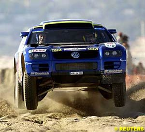 The first American to win a stage of the Dakar, Robby Gordon in his Volkswagen